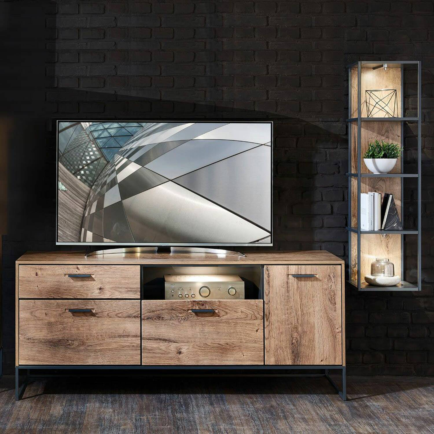 TV-Media Wohnwand MINNEAPOLIS-55 im Industrial-Design in Haveleiche Cognac mit Matera anthrazit, B/H/T ca: 240/165/48 cm